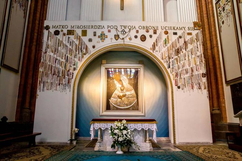 Obraz Matki Bożej Miłosierdzia w katedrze białostockiej